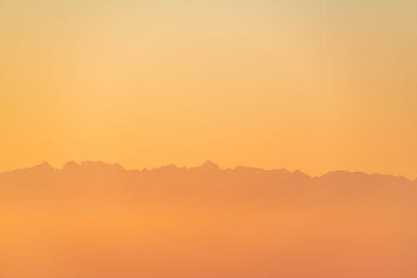 Les Pyrénées au lever de soleil, filigrane